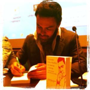 Antonio Íñiguez, en una firma de libros